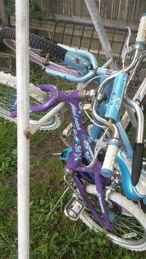 "Girls 20"" bikes,Schwinn and Kent,both nice bikes,just outgrown for Sale in Saint CLR SHORES, MI"