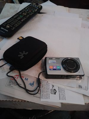 OLYMPUS STYLUS DIGITAL CAMERA ZOOM GOES UP 2 7X WITH CARRYING CASE for Sale in Columbus, OH