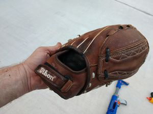 Softball glove for Sale in Humble, TX