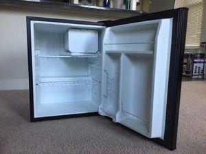 Emerson Compact Refrigerator (Mini Fridge) - Black for Sale in Berwyn Heights, MD