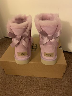 100% Authentic Brand New in Box UGG Mini Bailey Bow II Boots / Women size 7 and Women size 10 / Color: Aster Twinface for Sale in Lafayette, CA