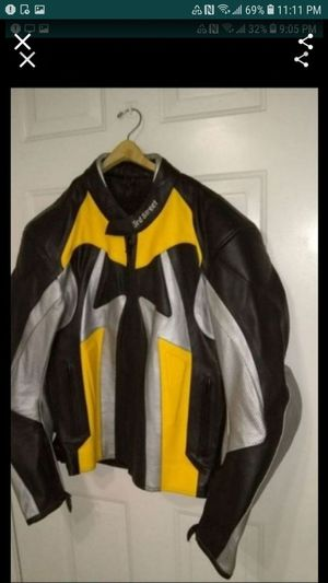Motorcycle jacket leather very good condition Size XL for Sale in Glendale, AZ