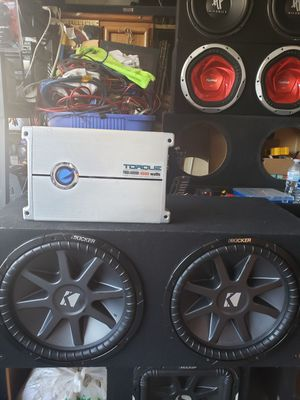 15 inch kickers comp vr and 4000 watts amp for Sale in Los Angeles, CA