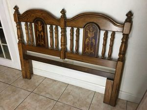 Queen bed wooden frame for Sale in Miami, FL