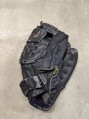 Easton baseball glove for Sale in San Diego, CA