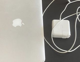 MacBook Air for Sale in Lake Wales,  FL