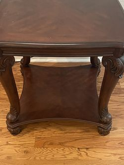 Ashley. Dark Brown End Table. for Sale in Tampa,  FL