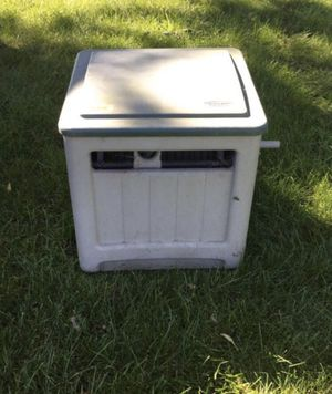 Suncast Hose Reel Box Good Condition for Sale in Chicago, IL
