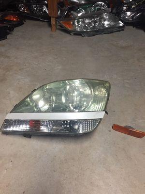 2001 Lexus RX 300 light side headlight for Sale in Atlanta, GA