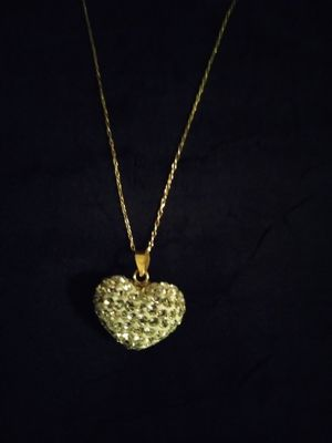 VALENTINE'S DAY GIFT HEART WITH SWARVOSKI CRYSTAL ACCENTS SHIMMERS AMAZINGLY!! for Sale in Charlotte, NC