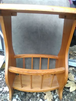 Side table/magazine rack for Sale in Alton, IL