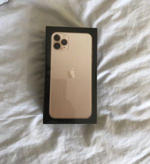 IPHONE 11 pro max gold!! for Sale in Severna Park, MD