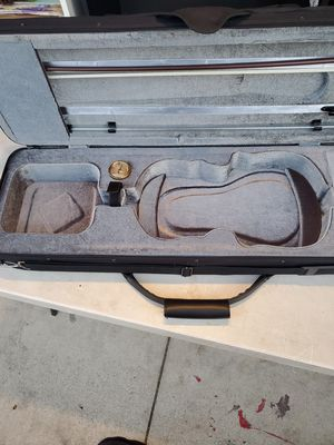 Large violin case in exellent condition for Sale in Fontana, CA