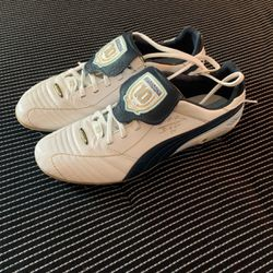 LIMITED EDITION MARADONA PUMA KINGS - UNWORN - BRAND NEW for Sale in Marietta,  GA