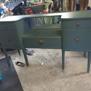 Antique Stand for Sale in Baltimore, MD