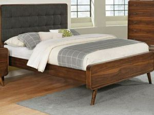 Robyn queen platform bed (no mattress) for Sale in San Leandro, CA