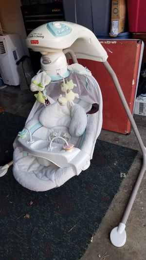 Picture price cradle swing for Sale in Tualatin, OR