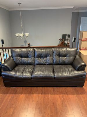 Brown couch for Sale in Browns Mills, NJ