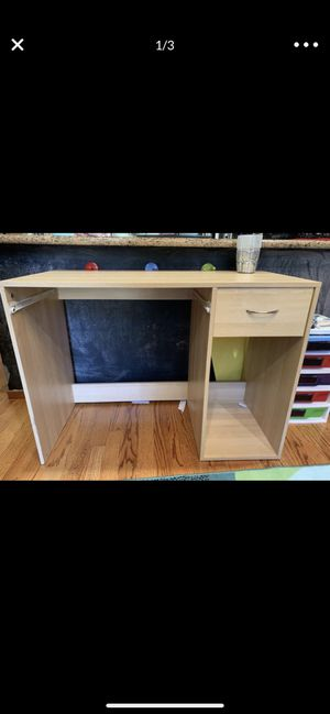 Free Desk for Sale in San Carlos, CA