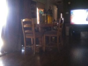 Dining table for Sale in Palmdale, CA
