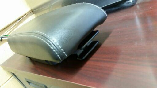 FORD FUSION ARMREST STORAGE BOX ASSY 2010-12