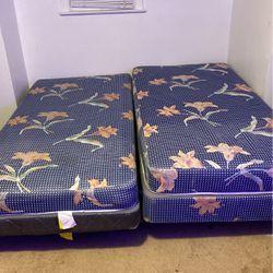 2 Twin Beds for Sale in Meriden,  CT