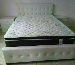 NEW BEAUTIFUL QUEEN DIAMOND BED WITH MATTRESS AND BOX SPRING WITH 2 NIGHTSTANDS for Sale in Biscayne Park, FL