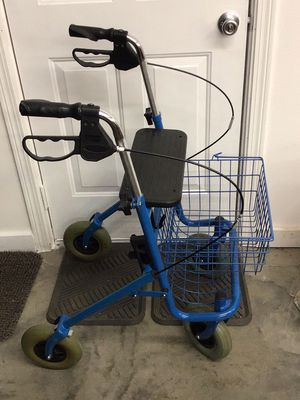4 wheeled walker with basket and seat for Sale in Sioux City, IA