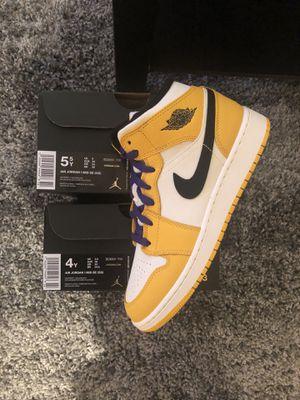 """NEW 🔥 Nike Air Jordan 1 Mid """"Lakers"""" Sz. 4 & 5.5 for Sale in Alexandria, VA"""