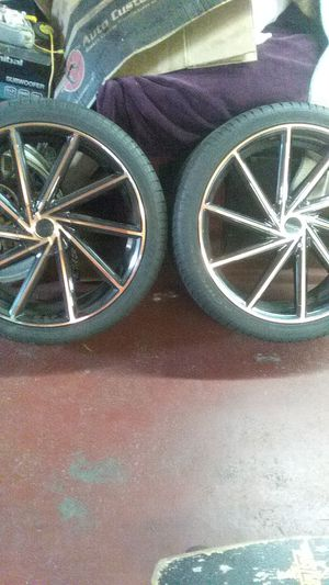 Rosso insignia 700 rims and tires for Sale in Norfolk, VA