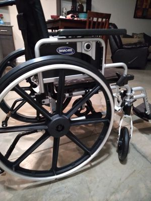 Wheelchair with drop arms and removable legs for Sale in Mebane, NC