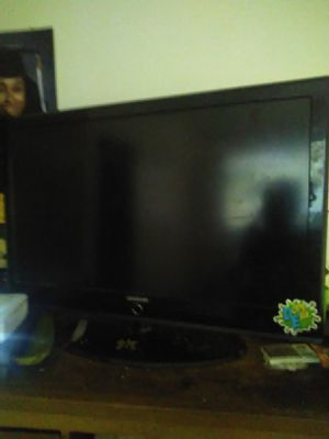 42in Samsung TV $100 for Sale in HILLTOP MALL, CA