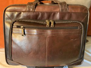Samsonite Carry-On Leather Bag for Sale in South Gate, CA