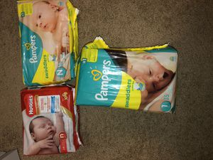 151 Brand New Pampers/Huggies Diapers ( Size:Newborn) for Sale in Lauderdale Lakes, FL