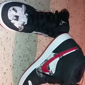 "Jordan 1 Mids ""Newspaper Air Times"" for Sale in Tullahoma, TN"