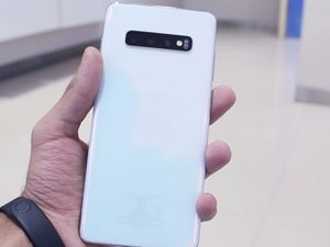 """Samsung Galaxy S10 Plus,, """"Factory Unlocked Condition Excellent"""" (Like Almost New) for Sale in Springfield, VA"""