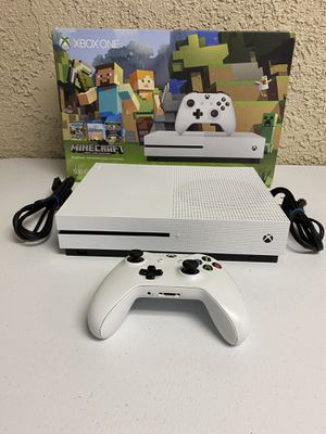 Xbox one mindcraft edition for Sale in Hemet, CA