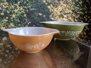Vintage Pyrex Bowls for Sale in Brooklyn, NY