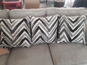 6 New couch pillows for Sale in Elk Ridge, UT