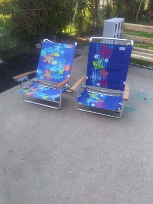 Beach chairs fold down to layon for Sale in Philadelphia, PA