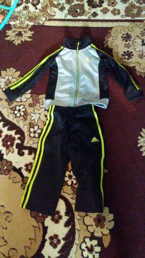 Adidas top & bottom for Sale in Hamtramck, MI