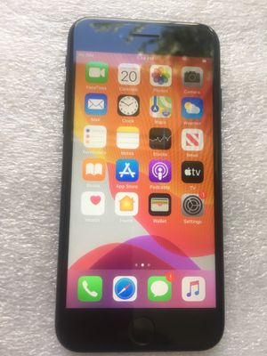 Apple iPhone 7 32 GB unlocked for all carriers for Sale in Cerritos, CA