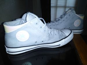 New women's converse for Sale in Austin, TX
