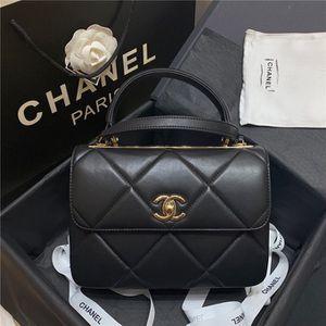 Chanel bag for Sale in Phoenix, AZ