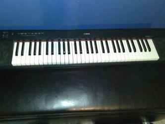 Yamaha Plaggero NP=11 keyboard 61 Keys for Sale in St. Louis,  MO