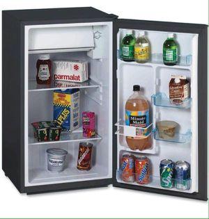 Avanti 3.3 Cu. Ft Refrigerator with Chiller Compartment Nevera Frío Neverita for Sale in Miami, FL