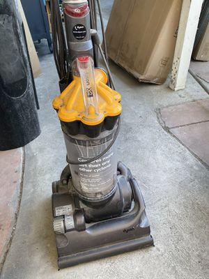 DYSON Carpet and Hardwood Cleaner for Sale in Los Angeles, CA