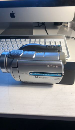 Sony Handycam Dcr-DVD505 for Sale in Belmont, NC
