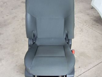 Right Front Seat For 2015 Chevy City Express (stk#1996) for Sale in Chicago,  IL