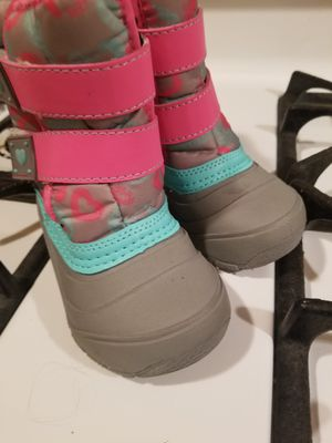 Kids snow boots brand new never used size 6 for Sale in Philadelphia, PA